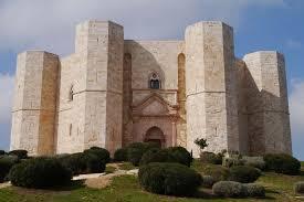 Castel del Monte, Puglia: between Fibonacci, esotericism and ...