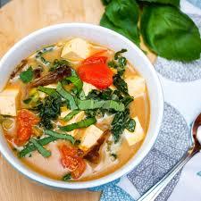 Easy Vegetarian Tom Yum Soup Recipe