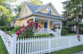 ᐈ House With White Picket Fence Stock Photos Royalty Free White Picket Fence Pictures Download On Depositphotos
