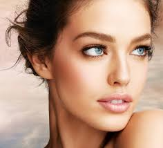 7 makeup tips for a round face