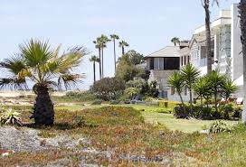 Coastal Commission Prepares To Order Removal Of Unpermitted Beach Encroachments In Newport Los Angeles Times
