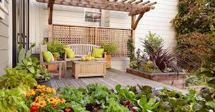 16 Simple Solutions For Small Space Landscapes Better Homes Gardens
