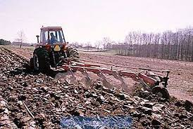 Membajak tanah dengan traktor: keuntungan dan kerugian dari pengolahan  tanah mekanis - Pertanian 2020