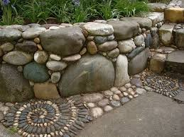retaining wall with river rocks