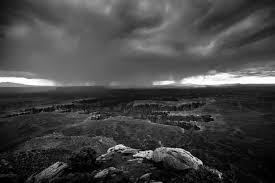 Papel de parede : monocromático, Sombrio, mar, Rocha, céu, chuva ...