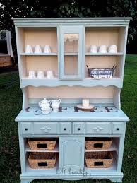 people are upcycling old kitchen