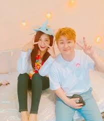 a pink s jung eun ji and huh gak reveal