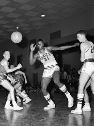 Wes Unseld was Seneca High School basketball star before U of L, NBA