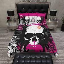 lightweight hot pink skull kiss bedding