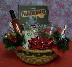 themed fun and games gift basket ideas