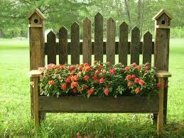 Birdhouse Benches Planter Box Just Another Project For Donald We Have The Bench We Just Need The Flowers Garden Projects Front Yard Elevated Gardening
