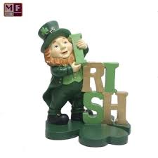 polyresin irish leprechaun toy garden