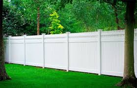 Outdoor Fencing Ideas Outdoortheme Com Vinyl Privacy Fence Vinyl Fence Outdoor Fencing