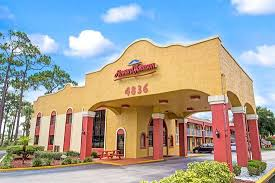 HOWARD JOHNSON BY WYNDHAM LAKE FRONT PARK KISSIMMEE - Updated 2020 ...