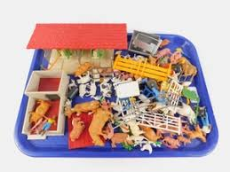 Lot Art Britains Plastic Farm Animals And Figures Fencing Cow Shed Feeding Trough Etc Qty