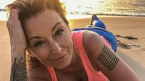 Tatuaz Na Stopie Jest Dyskretny I Kobiecy Jaki Wzor Wybrac