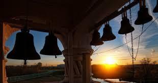 Clopotele din bisericile din Moldova vor fi trase zilnic la ora 12:00