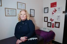Spiritualist returns to her Clydebank roots to help heal community    Clydebank Post