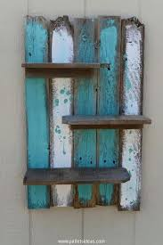 Am Liking This Idea Seven Picket Fence Board Pieces Approximately 13 Inches Long Staggered Up Then Down Wall Shelf Decor Pallet Wall Shelves Pallet Crafts