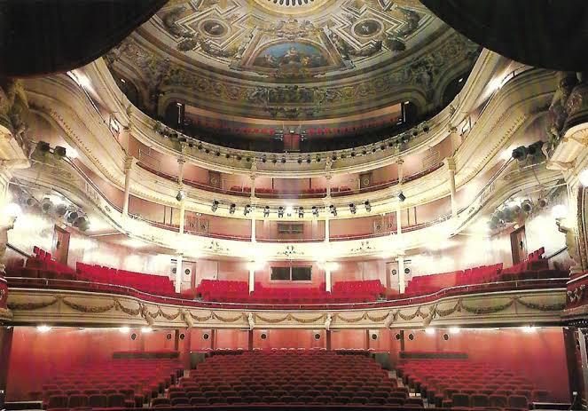 #galerie_dart_opéra_d_alger