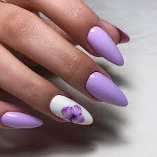 designs with accent nails