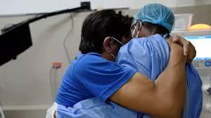 Covid-19: la dantesca experiencia de algunos enfermeros ecuatorianos