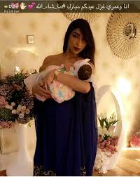صور بنت دنيا باطما بلباس العيد رفقة جدتها لالة Lalla