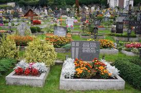 Resultado de imagen de flores tumbas difuntos