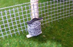 Fb054 Barbed Wire Reel 1 32 Scale Hlt Miniatures