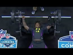 bench press with prosthetic hand