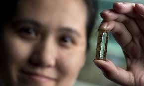 Una investigadora inventó una batería que podría durar 'hasta 400 años' -