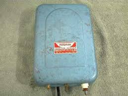 Vintage Parmak Electric Fencer Use 6 Volt Battery Model As Serial 613562 Ebay