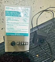 1petsafe In Ground Radio Fence Transmitter Rf 1001 Pet Containment Dog Boundary For Sale Online Ebay