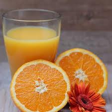 La Vitamina C non cura il coronavirus: è una bufala