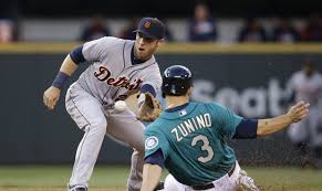 Notebook: Mariners add UT Andrew Romine, plus free agents and ...