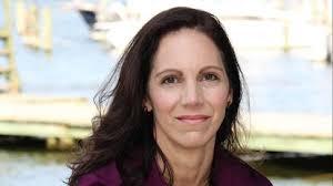 Melissa Ellis: Class rank policy redefines valedictorian to benefit Anne  Arundel students - Capital Gazette