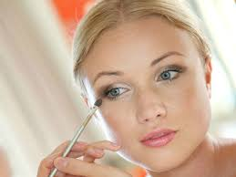 step by step eyeshadow tutorial for
