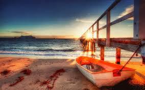 يذكر قارب الصف مرتبطة رصيف البحر عند شروق الشمس Hdr Hd سطح المكتب