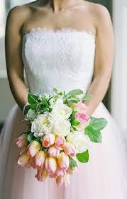 pretty fresh wedding flowers white
