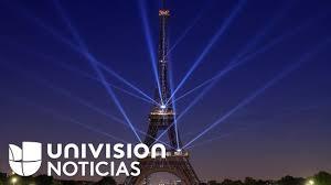 La Torre Eiffel Celebra Su 130 Cumpleanos Con Una Fiesta De Luz Y