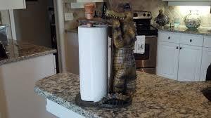 countertop alligator paper towel holder