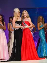 Chelsea Caswell & Ashley Snyder | VegasNews.com - Las Vegas News