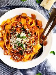 authentic italian ragu sauce pinch