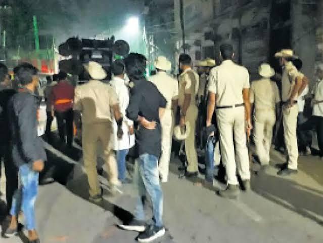 """Image result for आलमगंज में दो गुटों के बीच हिंसक झड़प"""""""