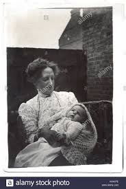 Edith Johnson and baby Beryl, 1910 Stock Photo - Alamy
