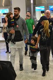 shakira arrives in miami with her family