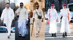 All-White Looks Were a Street Style Favorite at Paris Fashion Week ...