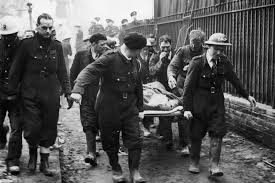 The Dangers Of Blitz Spirit: How Britons Reacted To German WW2 Bombing -  HistoryExtra