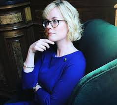 Blue Bloods star Abigail Hawk: age, height, measurements and hot ...