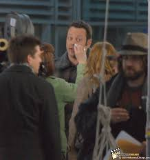 set photo couples retreat star vince vaughn at chicago s o hare